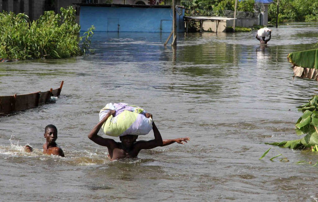 Flood victims at risk of waterborne diseases